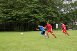 Lee Kilgannon races away from the Roborough defender