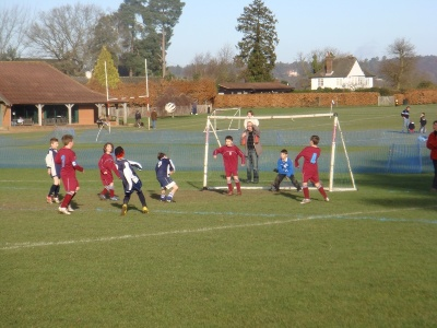 Blades Defending Well against Haslemeres attack.
