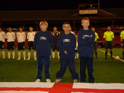 Thats better ! The England flag for the boys